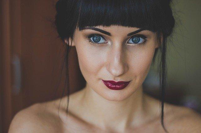 szminka dla brunetek